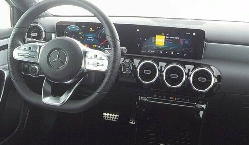 Mercedes-Benz A 200 d Premium AMG Line pieno