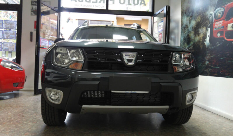 Dacia Duster Black Shadow pieno